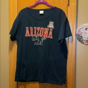 2x Arizona Wildcat TShirt!